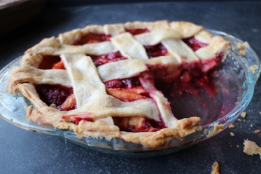 Raspberry Peach Maple Pie